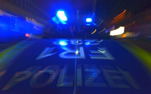 Jugendlicher fährt viel zu schnell – Polizei findet Drogen im Fahrzeug