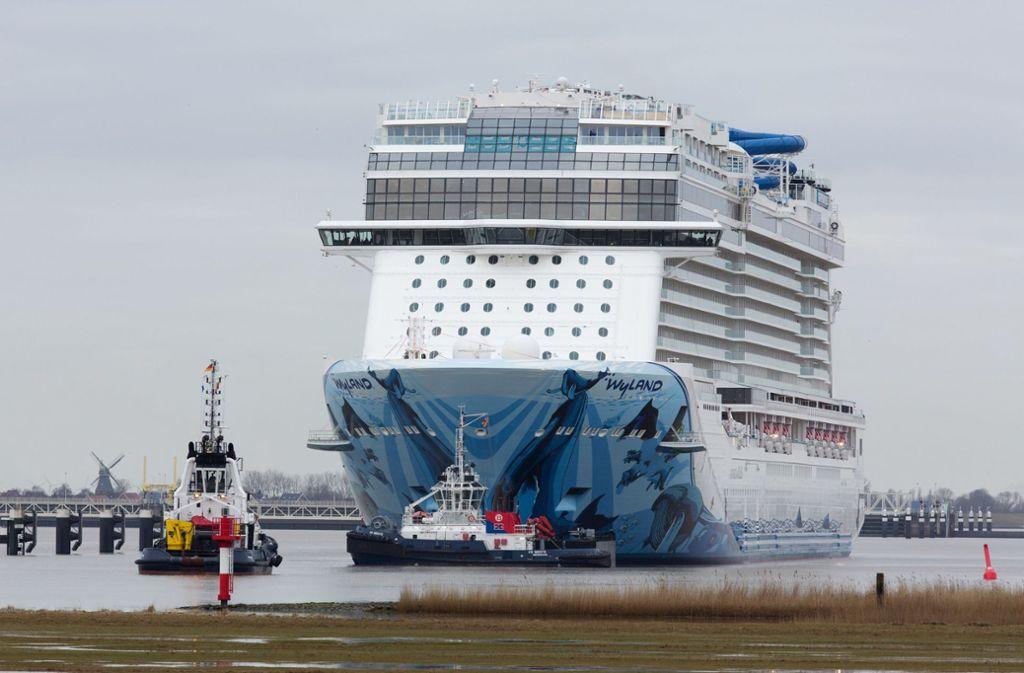 Das neue Mega-Kreuzfahrtschiff der Norwegian Cruise Line, die Norwegian Bliss. Foto: dpa