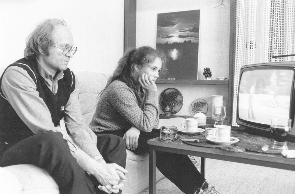 Gemeinsame TV-Analyse  in den 1980er Jahren. Heute will Tina Riegel nichts mehr mit Karel Fajfr zu tun haben. Foto: Baumann