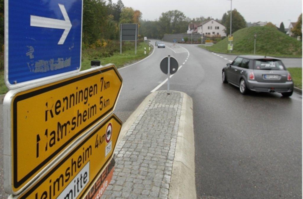 Viel zu viel Verkehr kommt im kleinen Perouse zusammen. Foto: factum/Archiv