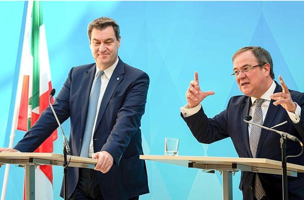 Wieder gut Freund: die Ministerpräsidenten Markus Söder (CSU) und Armin Laschet (CDU) Foto: dpa