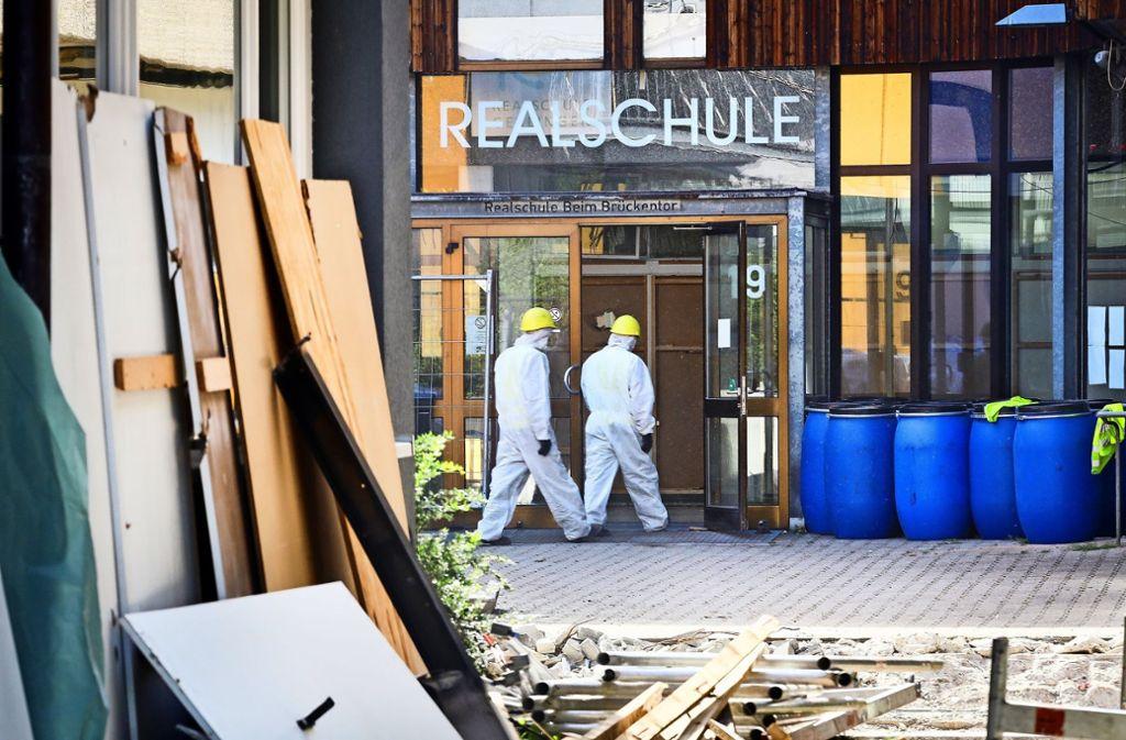 Großbaustelle Realschule: alles wird rausgerissen und beim Beton wieder angefangen. Foto: factum/Simon Granville