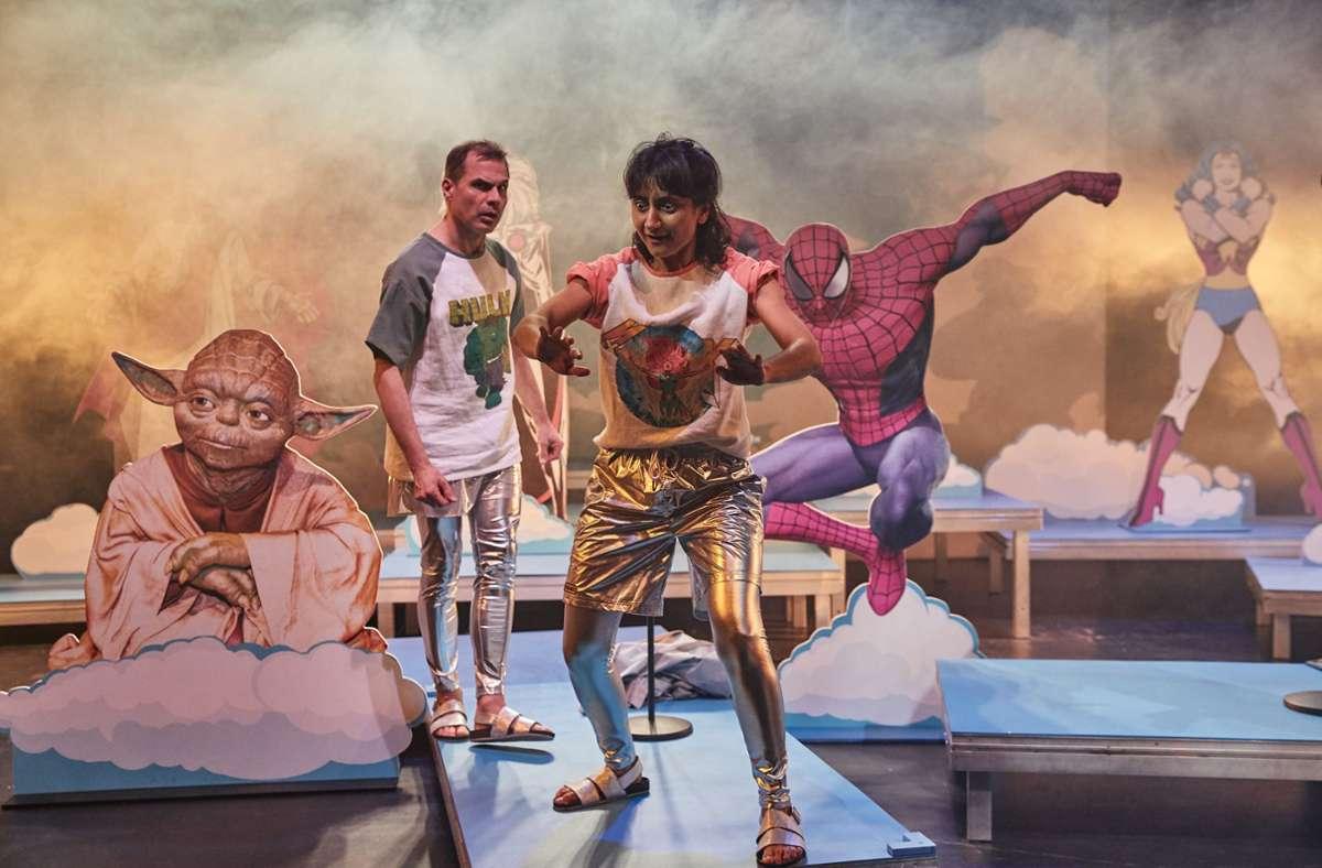 """Szene aus """"Wir so: Welt retten"""". Die  Produktion des Jungen Ensembles Stuttgart ist auch auf der Plattform für Kinder- und Jugendtheater vertreten. Foto: Markus Hummel - Backbube/Alexander Wunsch"""