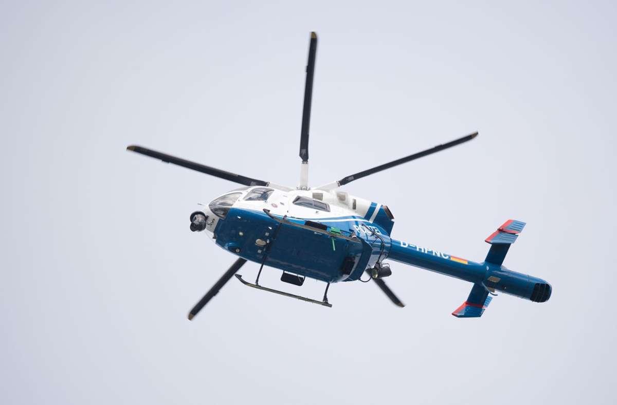 Die Polizei suchte den Mann mit Booten und einem Hubschrauber am Bodensee. (Symbolbild) Foto: picture alliance/Julian Stratenschulte