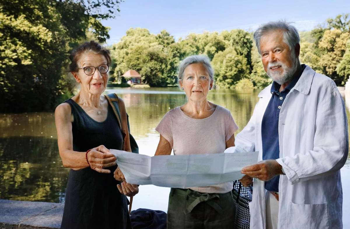 Irene Monreal, Marlis Busch und Peter Monreal (von links) wollen Tübingens Baumbestand  bewahren. Foto: Horst Haas