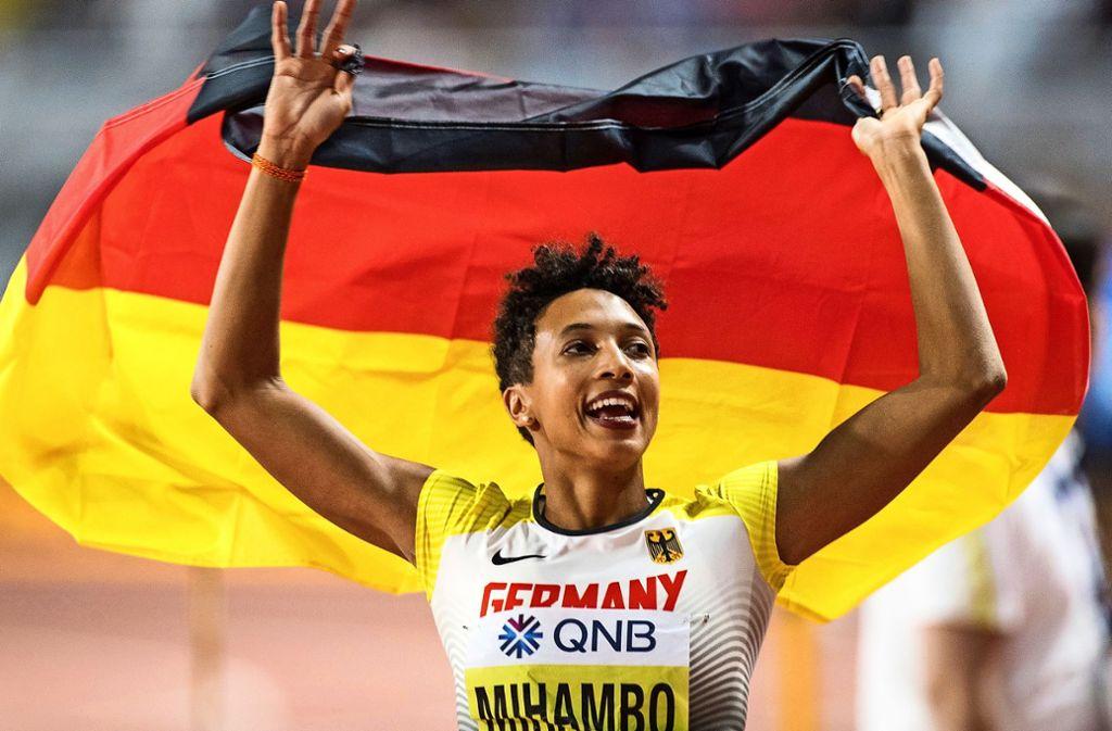 Jubel nach dem Sprung ins Glück: Malaika Mihambo gewinnt den WM-Titel. Foto: dpa/Oliver Weiken