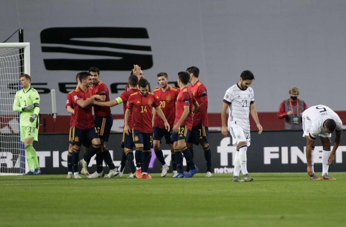 """Im """"Finale"""" um den Gruppensieg in der Nations League in Spanien hatte das taumelnde Team von Bundestrainer Joachim Löw von Beginn an nicht den Hauch einer Chance und verließ nach einer denkwürdigen 0:6 (0:3)-Pleite schwerst gedemütigt den Platz. Foto: dpa/Daniel Gonzales Acuna"""