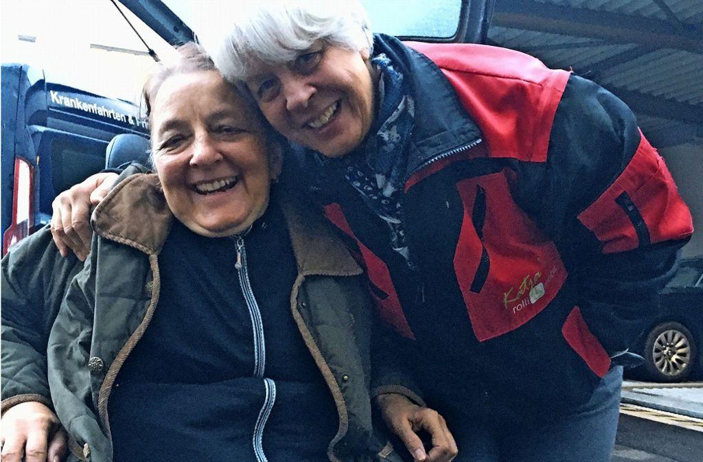 Dagi (l.) und Katja Knupfer sind sehr vertraut miteinander. Foto: Felizitas Eglof