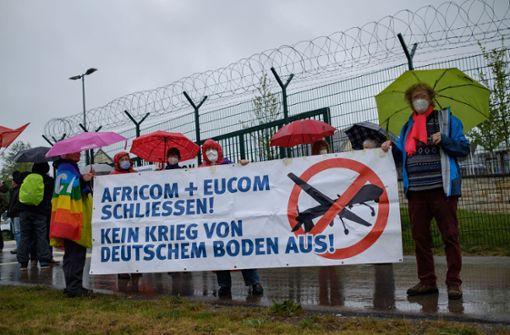 Demonstranten fordern Schließung von Africom und Eucom