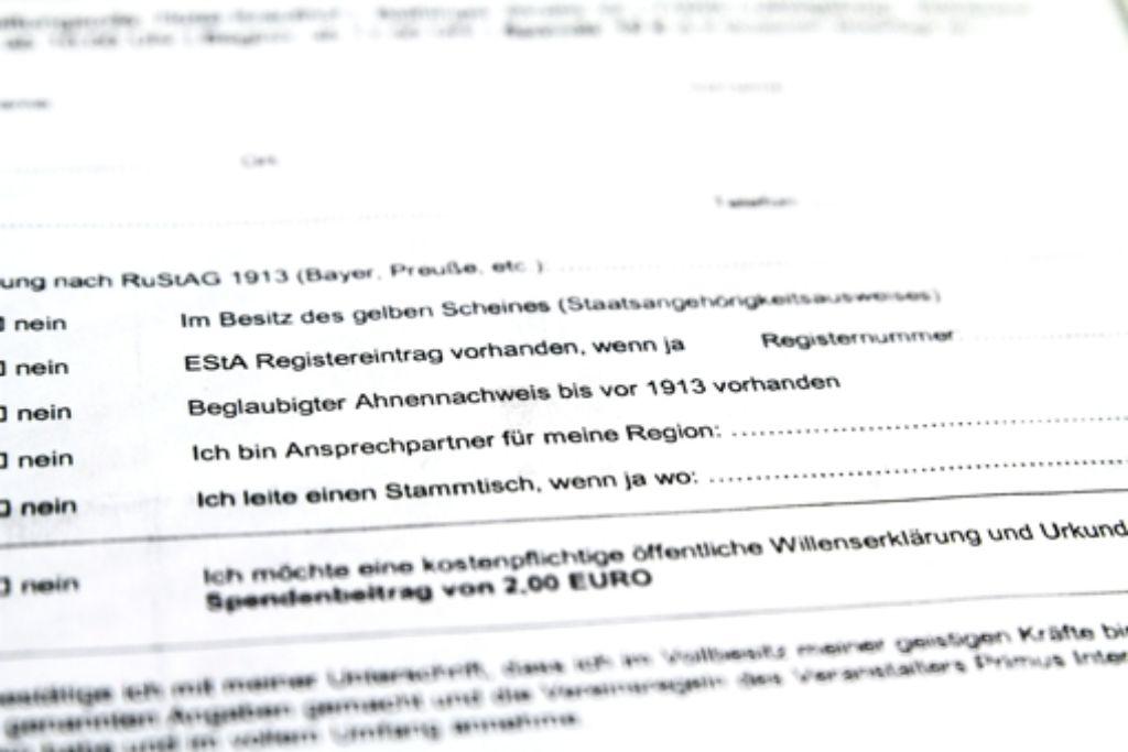 Dieses  Formular mussten Besucher der Reichsbürgerversammlung ausfüllen. Foto: factum/Bach