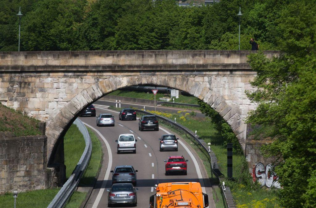 Die Pliensaubrücke ist eine der ältesten Rundbogenbrücken Europas. Foto: /Ines Rudel/Archiv