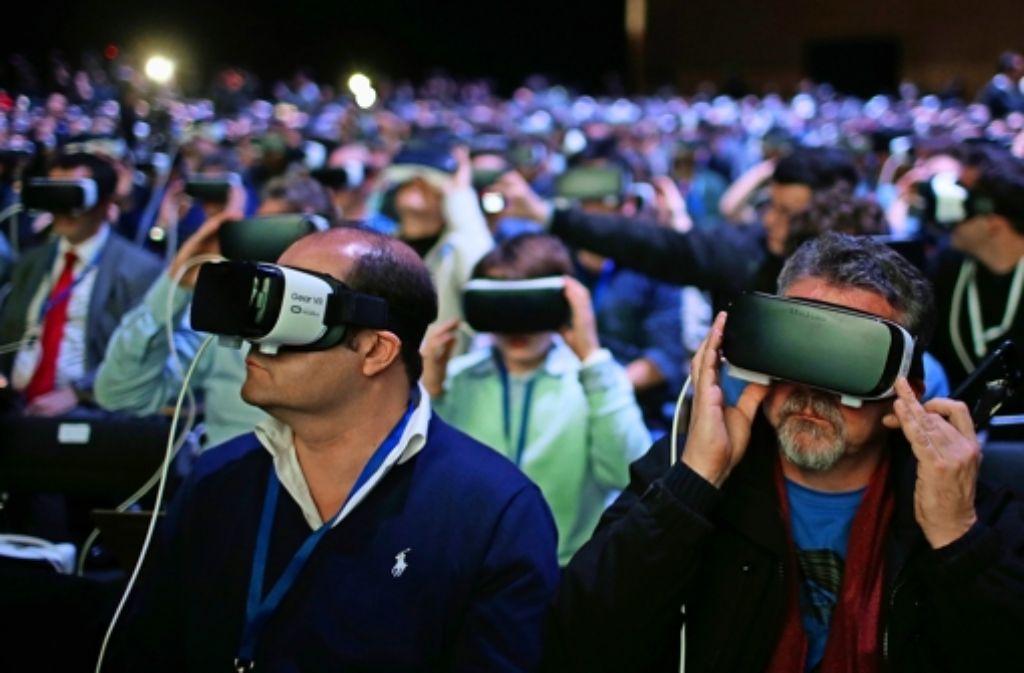 Samsung entführte bei seiner Smartphone-Präsentation in Barcelona die Zuschauer in virtuelle Welten. Foto: AP