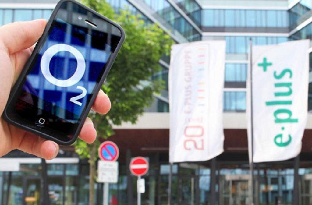 Die EU-Kommission genehmigte am Mittwoch in Brüssel den Zusammenschluss der Mobilfunkunternehmen unter Auflagen, wie die EU-Behörde mitteilte. Foto: dpa