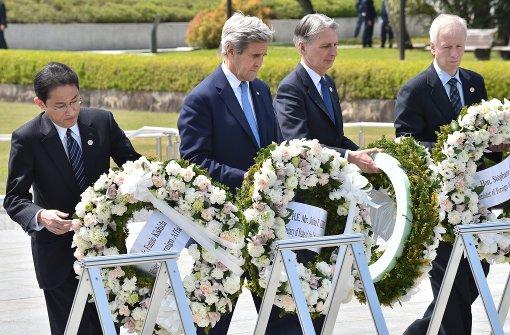 Kerry am Atombomben-Mahnmal in Hiroshima