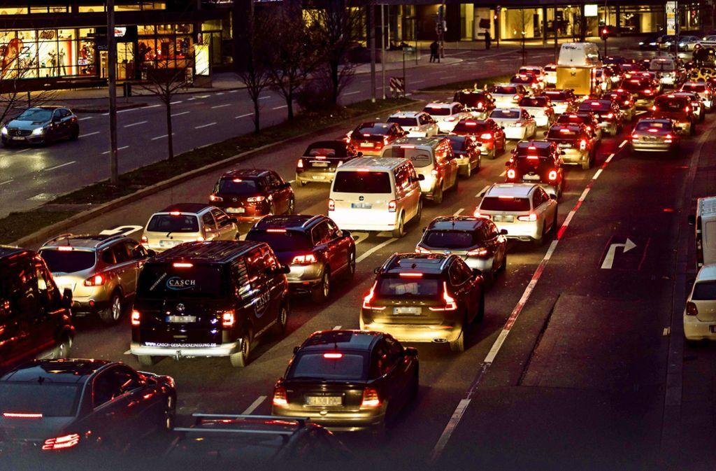 Die Staus in Stuttgart werden weniger – behauptet ein Verkehrsdatenanalyst. Foto: Lichtgut/Max Kovalenko