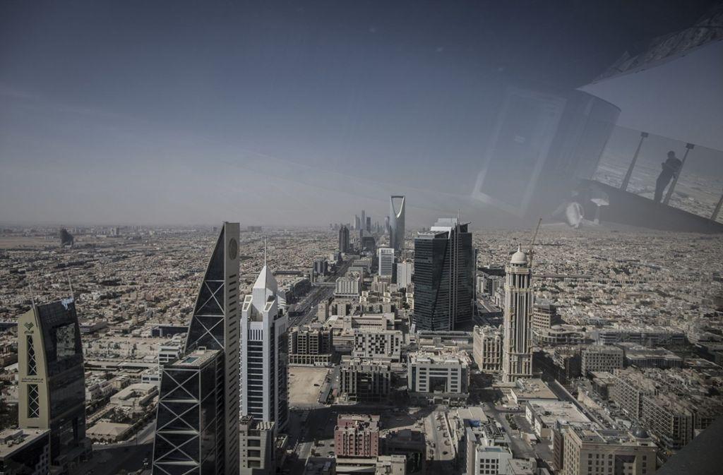Saudi-Arabien erfindet sich neu, dabei sollen Achterbahnen nahe der Hauptstadt Riad helfen. Foto: dpa/Oliver Weiken