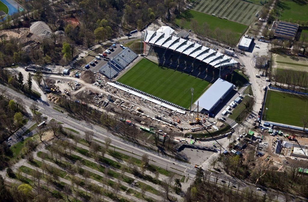 Die Spielstätte des Karlsruher SC wird derzeit umgebaut. Foto: dpa/Uli Deck