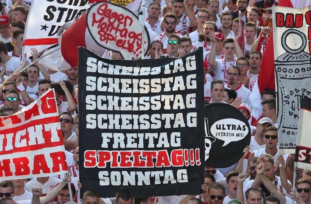 Die VfB-Fans in der Cannstatter Kurve werden am Samstag 45 Minuten schweigen, um für ihre Sache zu protestieren. Foto: Pressefoto Baumann