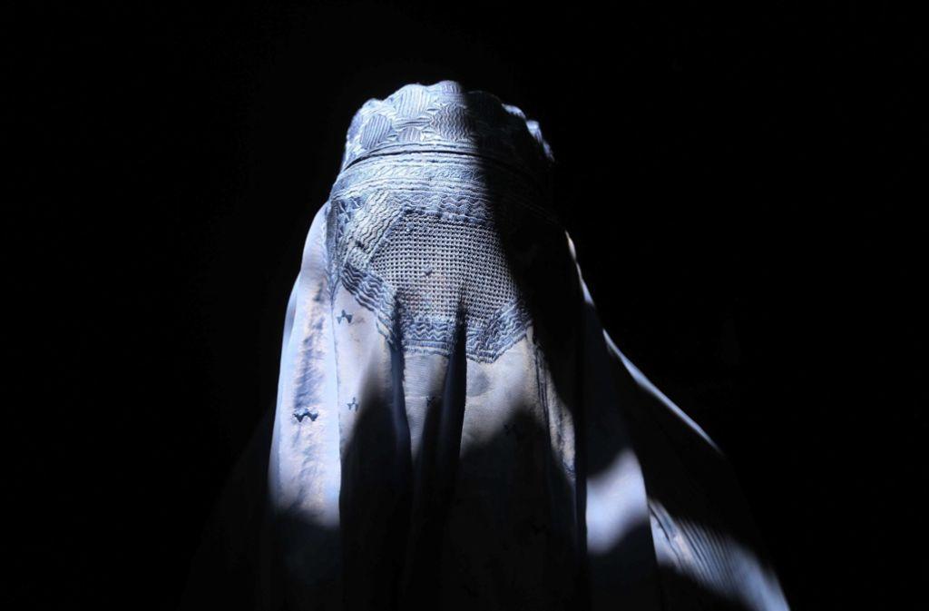 Stein des Anstoßes ist die Burka. Im Südwesten streiten sich die Parteien über ein Verbot. Foto: EPA
