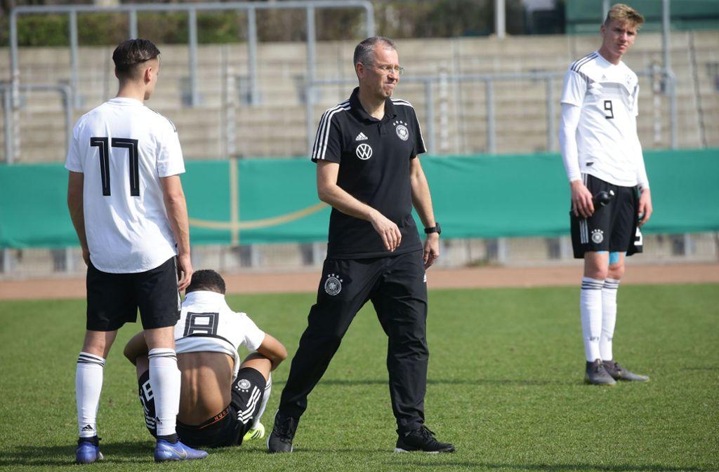 Michael Feichtenbeiner steht bei der U17-EM letztmals an der Seitenlinie des DFB-Nachwuchses. Foto: Baumann