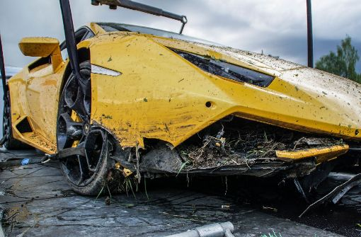 Lamborghini schwer beschädigt