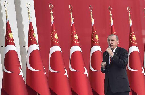 Bei jedem Anruf ertönt Erdogans Stimme