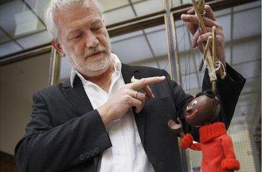 Klaus Marschall leitet die Augsburger Puppenkiste in der dritten Generation. Welche Puppe die Zuschauer am liebsten mögen? Marschall tippt auf Jim Knopf. Foto: Gottfried Stoppel
