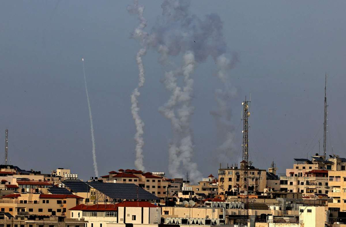 Am Montagabend sind Raketen aus dem Gazastreifen nach Israel abgefeuert worden. Foto: AFP/MAHMUD HAMS