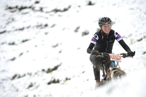 Janet Weick, 2. Sprecherin bei Deutsche Initiative Mountainbike IG Rems-Murr, Bloggerin bei www.mythos-ebike.de, Mitglied im MTB Stuttgart und Bike-Mama von ganzem Herzen: Nur mit Freundlichkeit, Toleranz und dem Respekt für Mensch und Natur können wir Konflikte im Wald vermeiden. Ein Vorsatz von mir ist daher auch für 2021, meinem siebenjährigen Sohn dieses respektvolle Verhalten zu vermitteln. Dieses wünsche ich mir auch von allen anderen Waldnutzern uns Mountainbikern gegenüber, aber auch von den politischen Entscheidungsträgern.