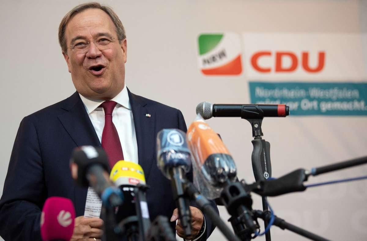 Armin Laschet, Ministerpräsident von Nordrhein-Westfalen, äußert sich nach den Kommunalwahlen. Foto: dpa/Federico Gambarini