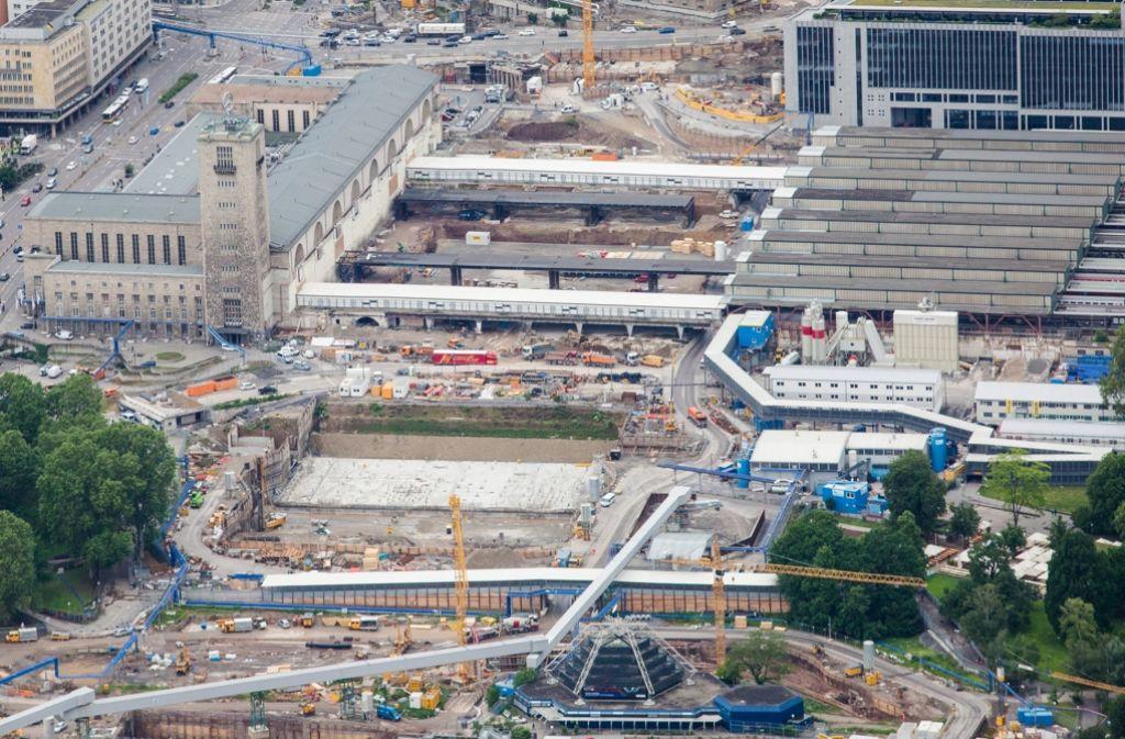 In der Innenstadt entsteht der neue Bahnhof. Foto: dpa