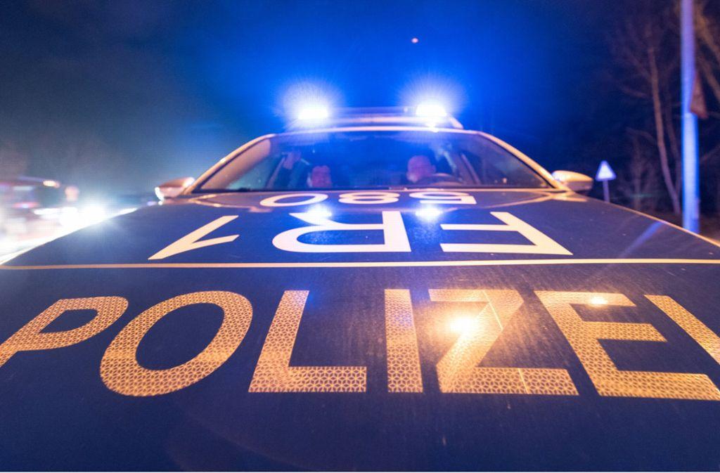 Die Polizei kann den mutmaßlichen Täter durch eine Fahndung in der Nähe des Tatorts in Rottenburg finden. Foto: dpa