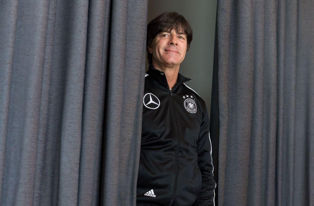 Nicht nur Bundestrainer Jogi Löw darf in Berlin mitentscheiden, wer der nächste Bundespräsident wird, sondern auch zahlreiche andere Prominente. In unserer Bildergalerie haben wir die prominenten Kandidaten für Sie gesammelt – klicken Sie sich durch! Foto: dpa