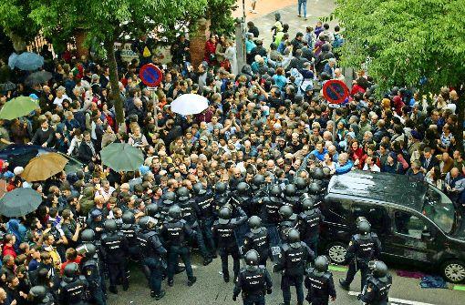 Polizeigewalt gegen Referendum