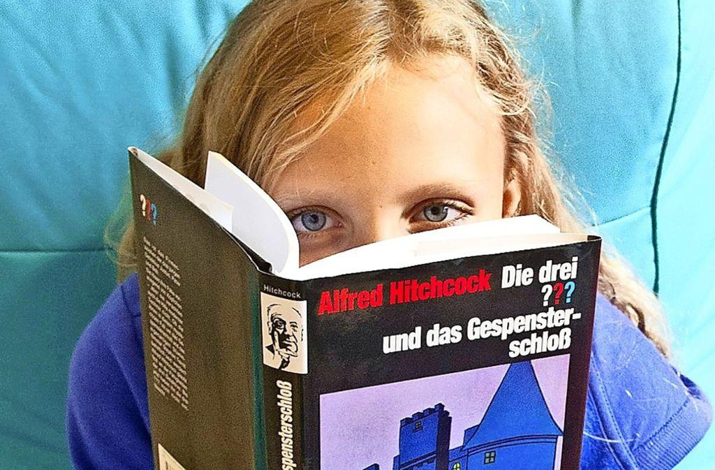 Liest die jüngere Generation weniger? Liebhaber des gedruckten Worts sagen: Das Internet kann nicht alles ersetzen. Foto: dpa