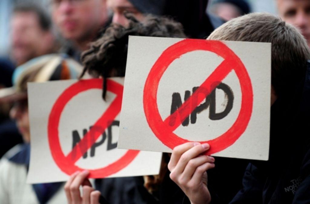 Die Forderung, die NPD  zu verbieten, ist in der Umsetzung mit Tücken verbunden. Foto: dapd