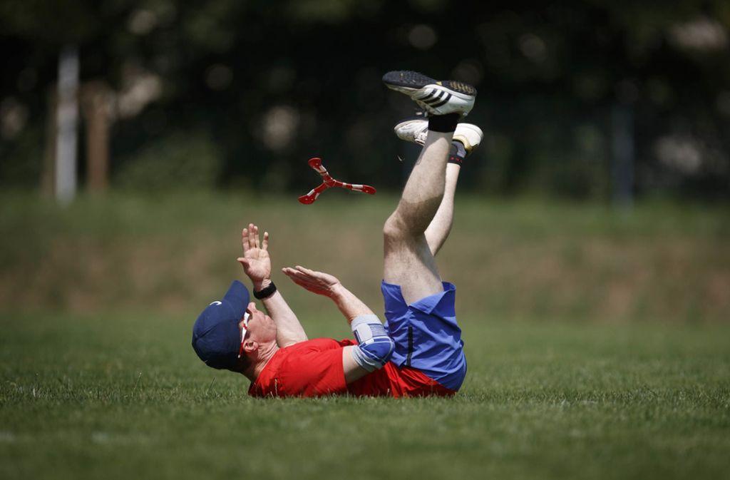 Er ist der amtierende Europameister im Bumerangwerfen: Fridolin Frost. Foto:
