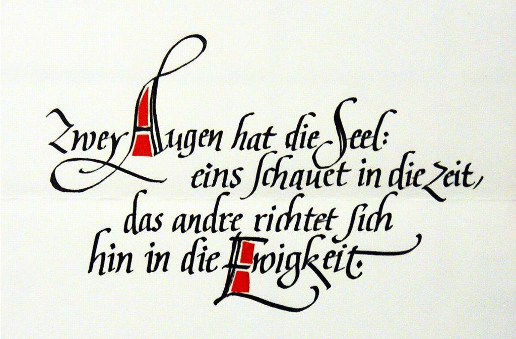 Mit viel Liebe und Sorgfalt hat Walter Stähle Schrifttypen ausgewählt und zu grafischen Kunstwerken zusammengefügt. Foto: Archiv Müller