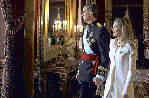König Felipe kürzt eigene Bezüge