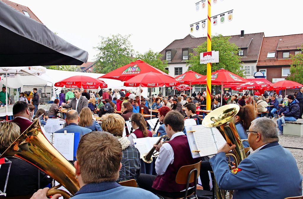 Zum Maibaumfest in Weilimdorf soll es  einen verkaufsoffenen Sonntag geben. Foto: