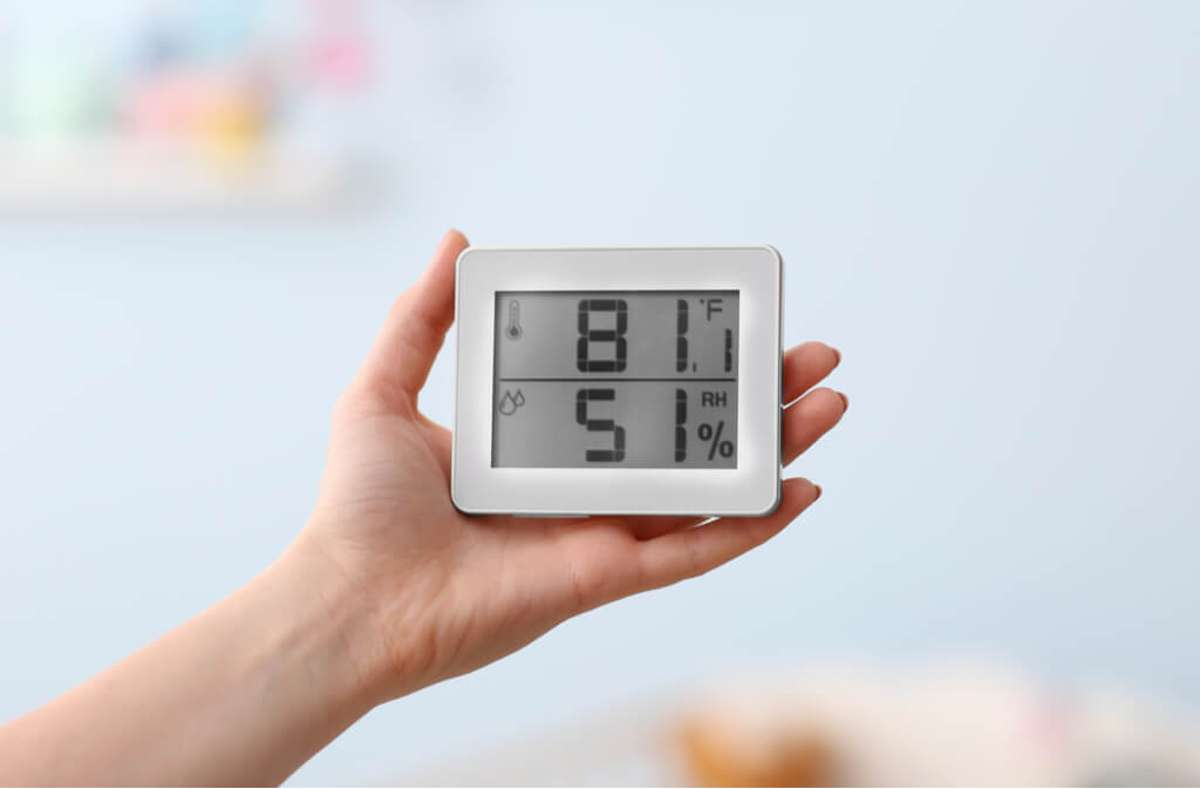 Erfahren Sie alles über die optimale Luftfeuchtigkeit in den einzelnen Räumen in Ihrer Wohnung. So messen, senken und erhöhen Sie die Luftfeuchtigkeit. Foto: Africa Studio / Shutterstock.com
