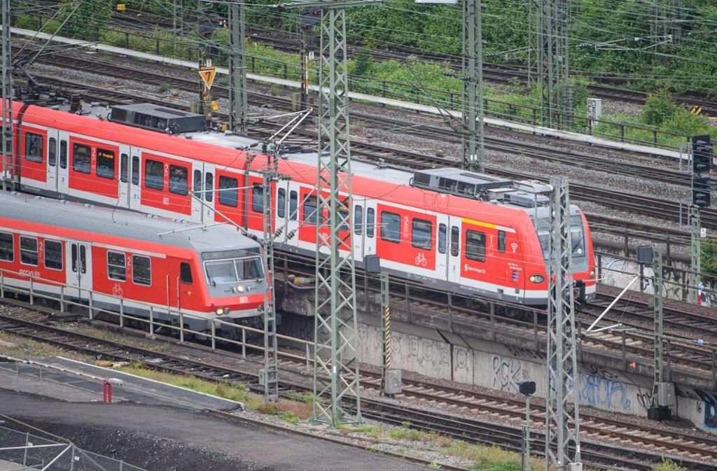 Der S-Bahn-Verkehr in Stuttgart ist am Freitagnachmittag massiv gestört. Foto: dpa