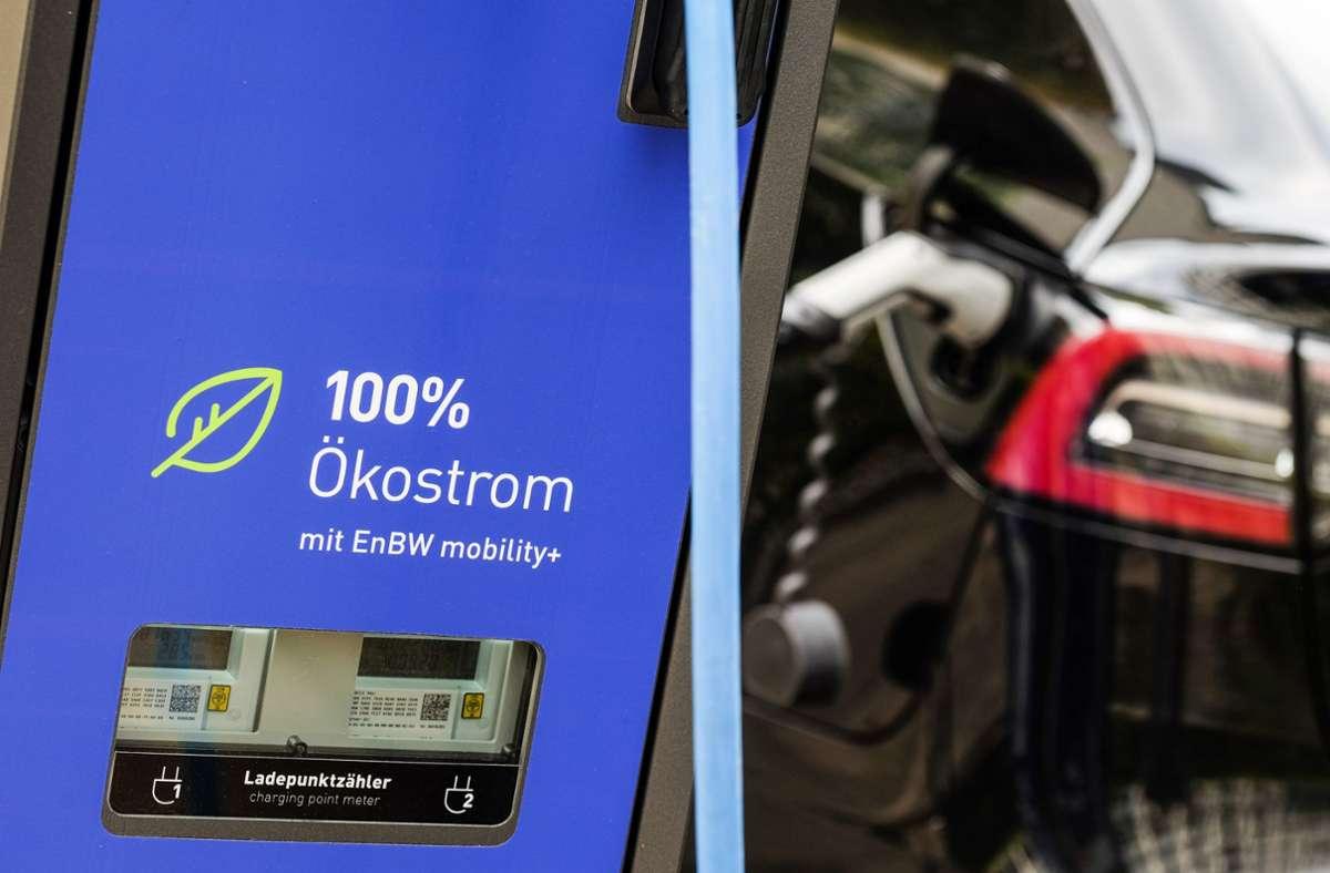 Vor allem Hybride sind Käufers Liebling: Sie bringen als Dienstwagen spürbare steuerliche Vorteile Foto: Lichtgut/Max Kovalenko