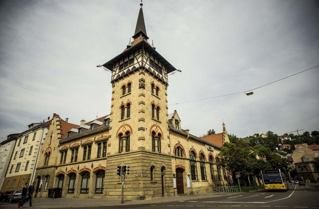 Das Alte Feuerwehrhaus am Erwin- Schoettle-Platz soll attraktiver werden. Foto: Lichtgut/Max Kovalenko