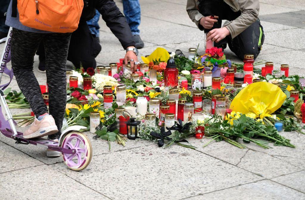 Trauer um den erstochenen Mann in Chemnitz. Foto: dpa-Zentralbild
