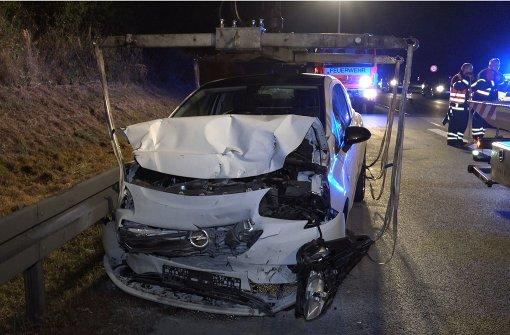 21-Jähriger fährt auf Mercedes auf