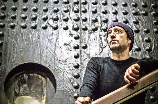 Der serbische Bühnenbildner Aleksandar Denic Foto: Lichtgut/Max Kovalenko