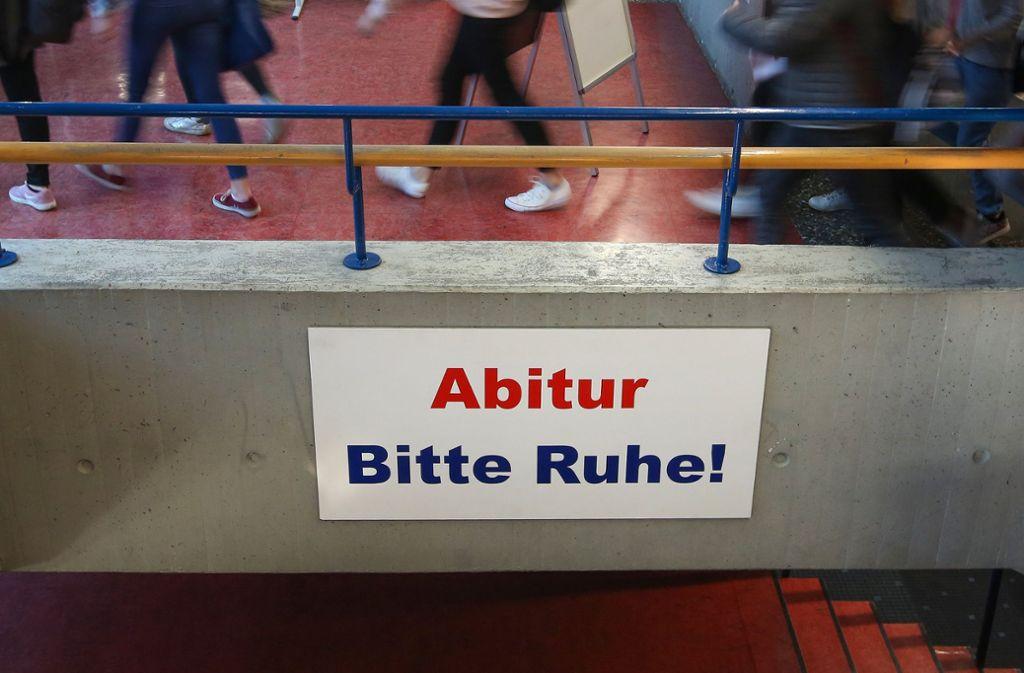 Bundesweit einheitliche Abitur-Aufgaben – dafür will Baden-Württemberg auf einer Kultusministerkonferenz wohl werben. (Symbolbild) Foto: dpa