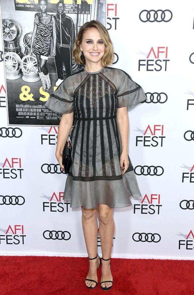 Starschauspielerin Natalie Portman kam im kurzen Grauen. Foto: AFP