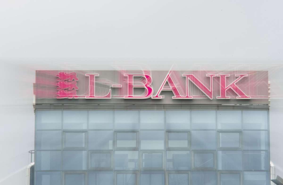 Die L-Bank und die IHK sollen die Corona-Hilfen für das Gastgewerbe bearbeiten und auszahlen. (Archivbild) Foto: dpa/Wolfram Kastl